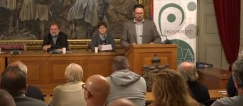 Embedded thumbnail for  Lakossági fórumot tartott a Prosperitati Zomborban (videó)